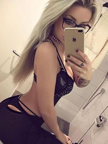 Sex ad by kinky escort Isabella (21) in Dubai - Photo: 1