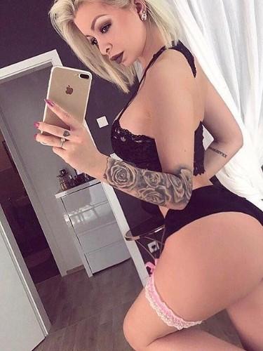 Sex ad by kinky escort Isabella (21) in Dubai - Photo: 3