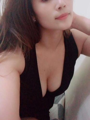 Sex ad by escort Vivian (22) in Abu Dhabi - Photo: 6