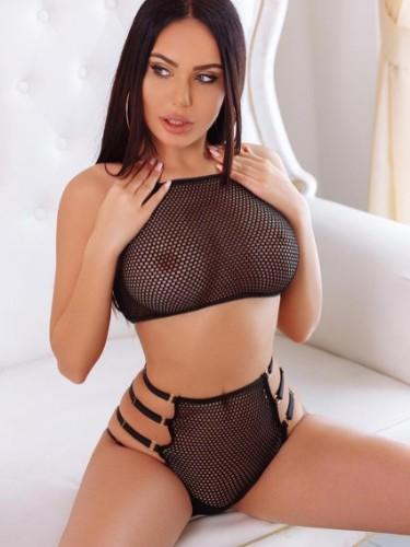 Sex ad by kinky escort Karolina (19) in Dubai - Photo: 2
