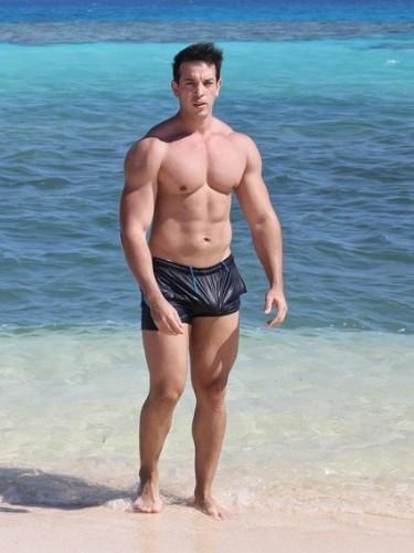 Sex ad by escort gigolo Ridorf (29) in Dubai - Photo: 1