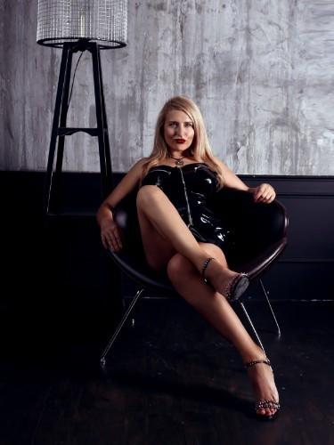 Sex ad by kinky pornstar escort Helene Nuar (30) in Dubai - Photo: 5