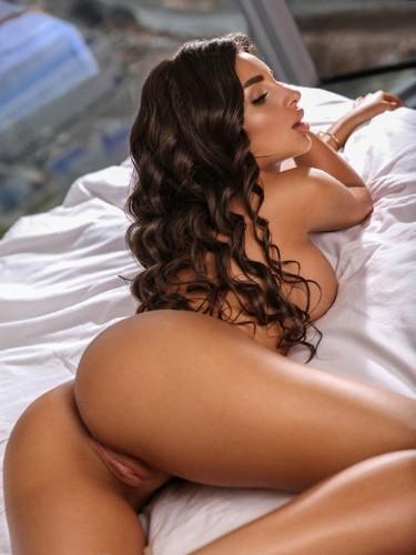 Sex ad by escort Vikky (23) in Dubai - Photo: 6