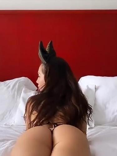 Sex ad by escort Sabrine (21) in Valencia - Photo: 1