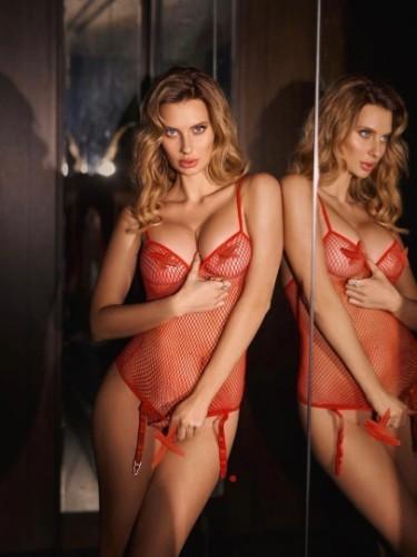 Sex ad by escort Karolina (21) in Dubai - Photo: 5