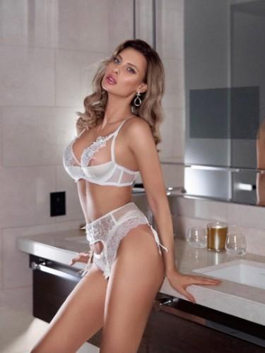 Sex ad by escort Karolina (21) in Dubai - Photo: 4