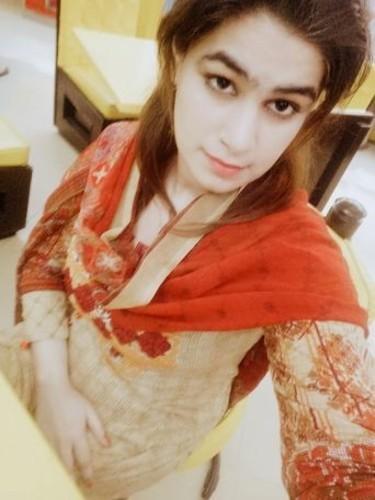 Sex ad by escort Karishma (21) in Dubai - Photo: 1
