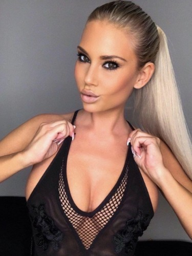 Sex ad by escort Alena (22) in Dubai - Photo: 6