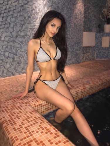 Sex ad by escort Karina (20) in Dubai - Photo: 1