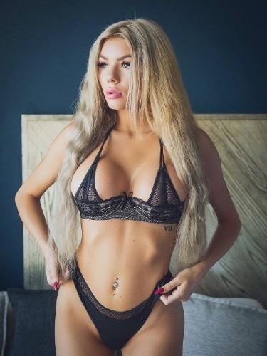 Sex ad by escort KarinaVIP (21) in Dubai - Photo: 1