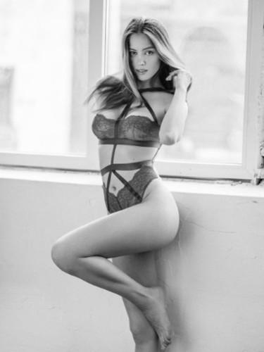 Sex ad by escort Kate (22) in Dubai - Photo: 2