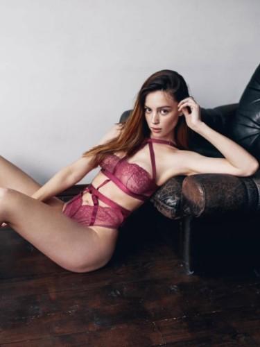 Sex ad by escort Kate (22) in Dubai - Photo: 5