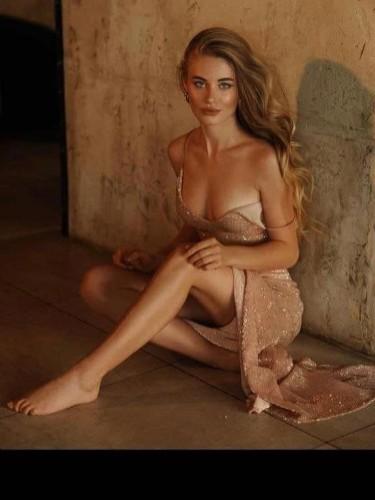Sex ad by escort Alexandra (22) in Dubai - Photo: 3