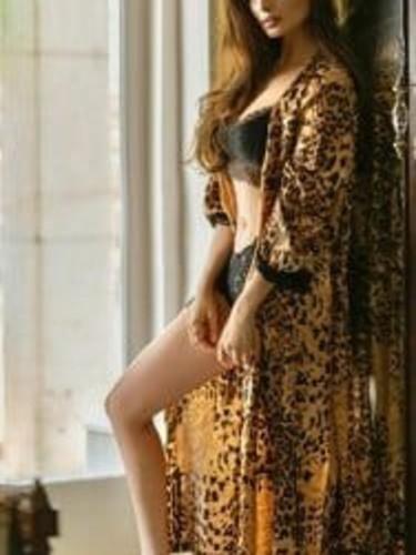 Sex ad by kinky escort Maheen (18) in Dubai - Photo: 1