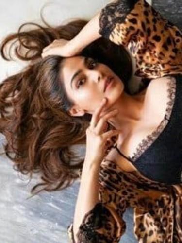 Sex ad by kinky escort Maheen (18) in Dubai - Photo: 4