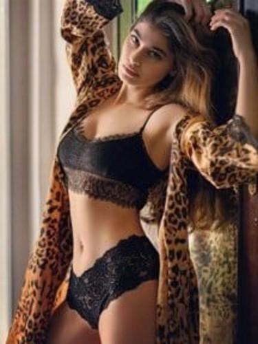 Sex ad by kinky escort Maheen (18) in Dubai - Photo: 5