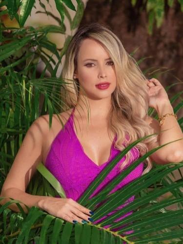 Sex ad by escort Carolina (22) in Dubai - Photo: 1